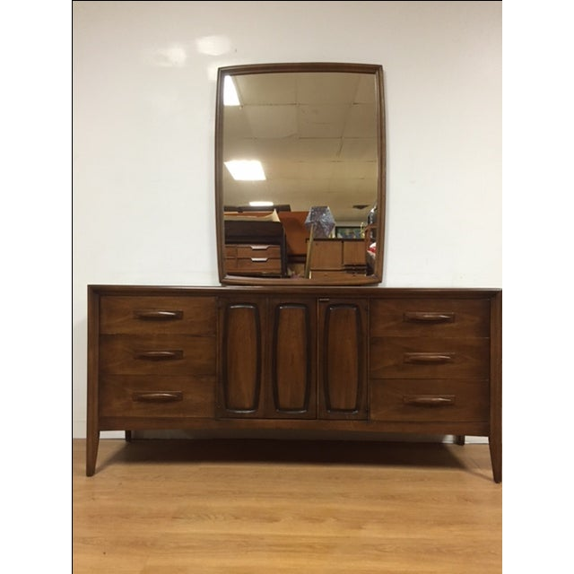 Broyhill Emphasis Mid-Century Dresser & Mirror - Image 2 of 9