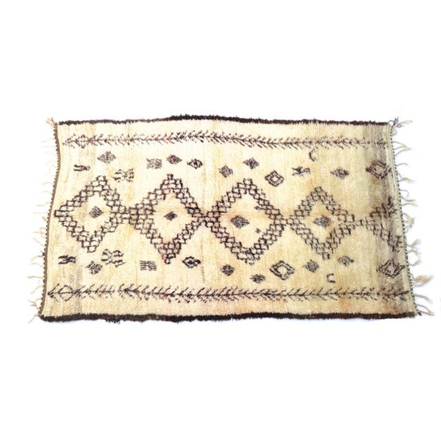 Vintage Moroccan Marmoucha Rug - 6′ × 10′2″ For Sale - Image 10 of 11