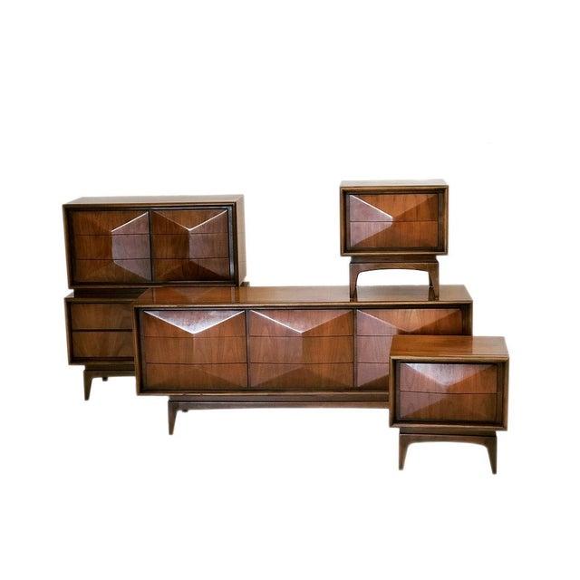 Mid Century Modern Gentleman's Dresser in Diamond Pattern For Sale In New York - Image 6 of 7
