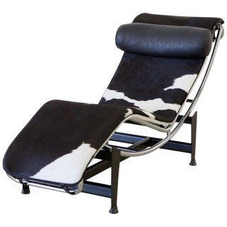 Le Corbusier Lc4 Chaise With Chrome Frame, Natural Hide by Gordon International For Sale