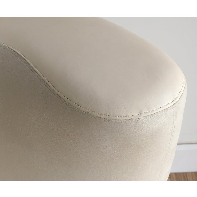 Nautilus Chair & Ottoman by Vladimir Kagan for Directional-Set of 2 For Sale In Miami - Image 6 of 13