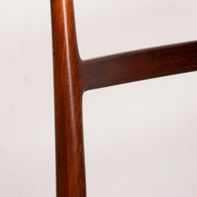 For your consideration a set of six dining chairs in rosewood designed by Arne Vodder for SIBAST. Model 430. Solid...