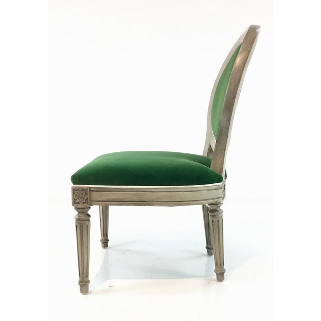 Henredon Mark Sikes for Henredon French Style Carlyle Green Velvet Chair For Sale - Image 4 of 6