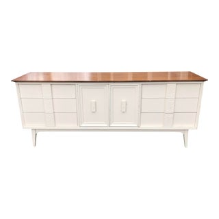 Mid-Century Modern Credenza by Basset Furniture Newly Lacquered For Sale