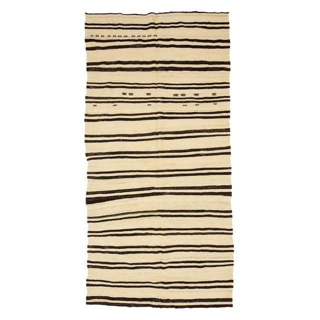 Textile 1960s Vintage Striped Natural Turkish Kilim Rug- 5′6″ × 11′8″ For Sale - Image 7 of 7