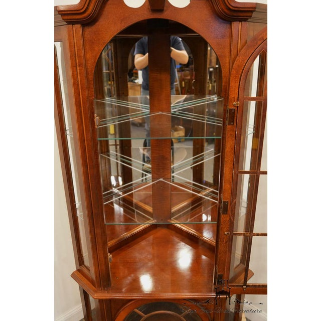 Late 20th Century Pulaski Furniture Cherry Illuminated Corner Display Curio Cabinet For Sale - Image 5 of 9