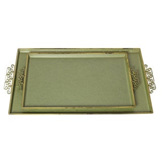 1950s Avocado Green & Gold Aluminum Chinoiserie Regency Tray Set by Moire Glaze Kyes For Sale