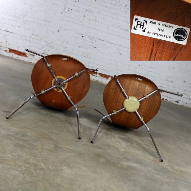 Series 7 Chairs by Arne Jacobsen for Fritz Hansen Vintage MCM Molded Teak a Pair For Sale - Image 11 of 13