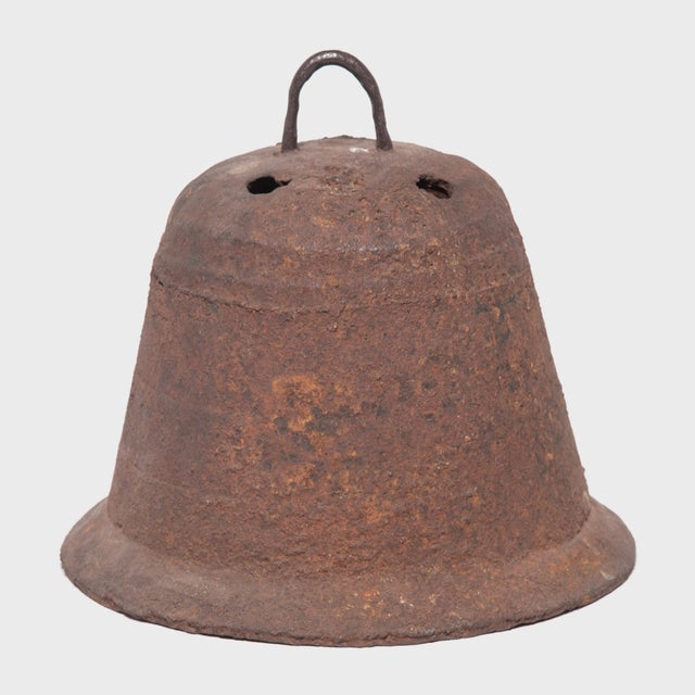 Mid 19th Century 19th Century Provincial Chinese Iron Bell For Sale - Image 5 of 5