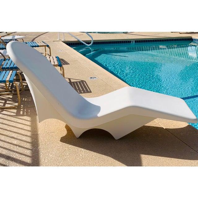 Plastic Mid-Century Fibrella Fiberglass Pool Sun Chaise Lounge by Le Barron For Sale - Image 7 of 12