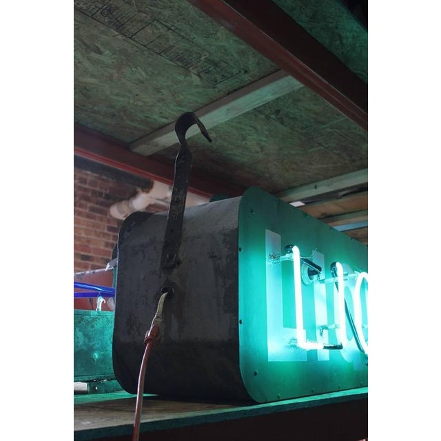 "Industrial 1950s Vintage ""Liquors"" Neon Sign For Sale - Image 3 of 3"
