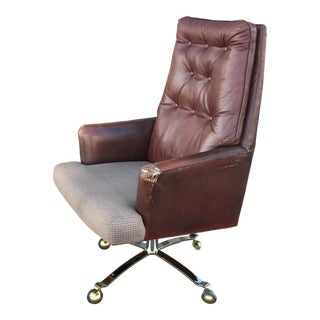 Signed Edward Wormley for Dunbar Swivel-Tilt Tufted Leather High-Back Executive Chair For Sale