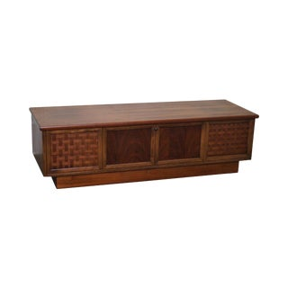 Lane Perspective Mid Century Modern Walnut Blanket Cedar Chest For Sale