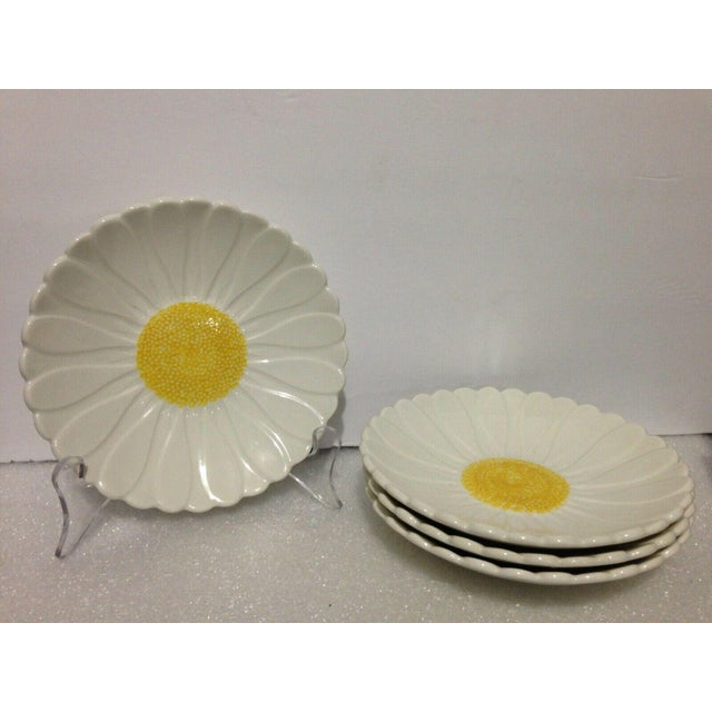 French 1970s Gien Daisy Side Plates - Set of 4 For Sale - Image 3 of 3