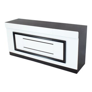1940s Mid-Century Modern Two-Tone Black and White Lacquer 10-Drawer Dresser For Sale