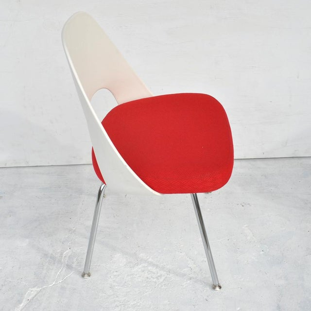 Set of Four Contemporary Knoll Eero Saarinen 72c-Piece Dining Side Chairs For Sale - Image 9 of 13