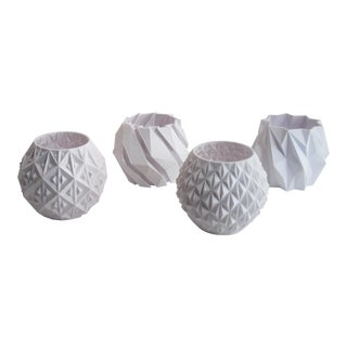 Small White Geometric Planters - Set of 4 For Sale