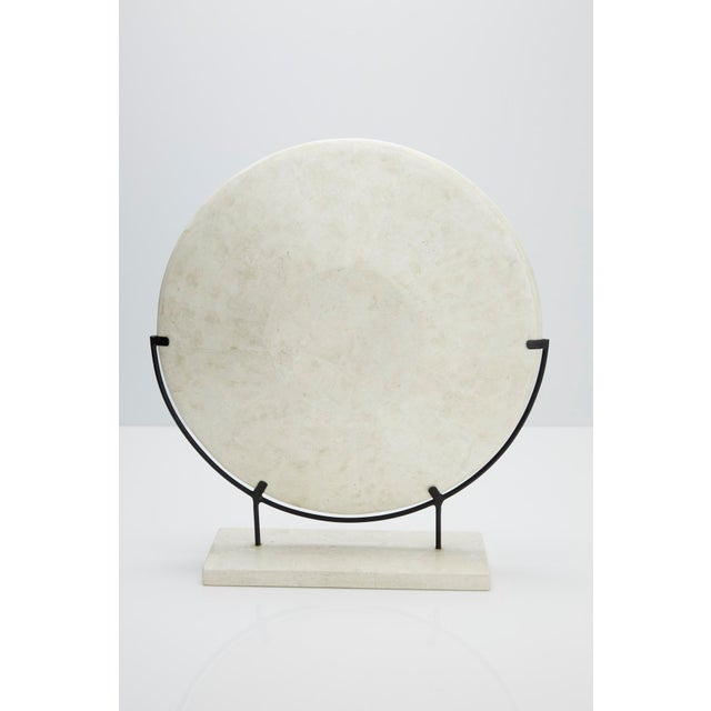 """1990s Modern Tessellated Woodstone """"Illusion"""" Plate on Iron Stand For Sale In Los Angeles - Image 6 of 12"""
