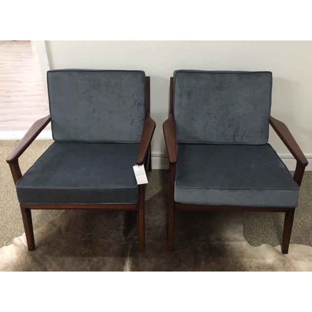 Mid Century Modern Arm Chairs For Sale In New York - Image 6 of 6