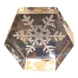 Steuben Snowflake Etched Paperweight For Sale