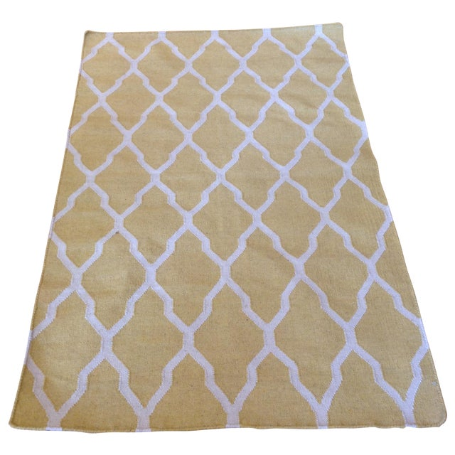 Yellow and Beige Trellis Kilim Rug - 3′10″ × 5′ For Sale