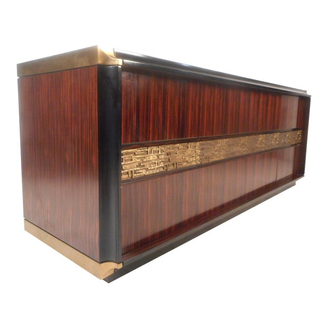 Impressive Midcentury Chic Sideboard by Frigerio For Sale