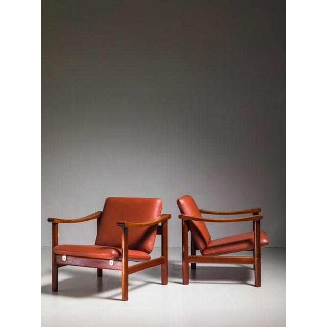 Mid-Century Modern Hans Wegner Pair of Lounge Chairs for GETAMA, Denmark, 1950s For Sale - Image 3 of 4