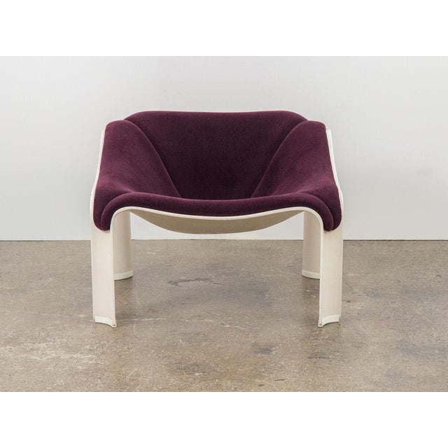 Modern Pierre Paulin F300 Lounge Chair For Sale - Image 3 of 11