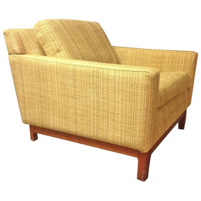 Jens Risom Jens Risom Lounge Chair with Solid Walnut Base For Sale - Image 4 of 4
