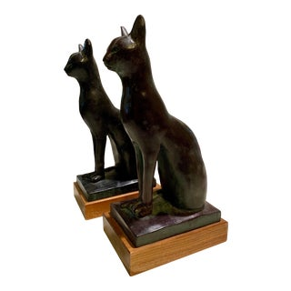 Vintage Mid-Century Signed and Dated Cat Bookends / Figurines - a Pair For Sale