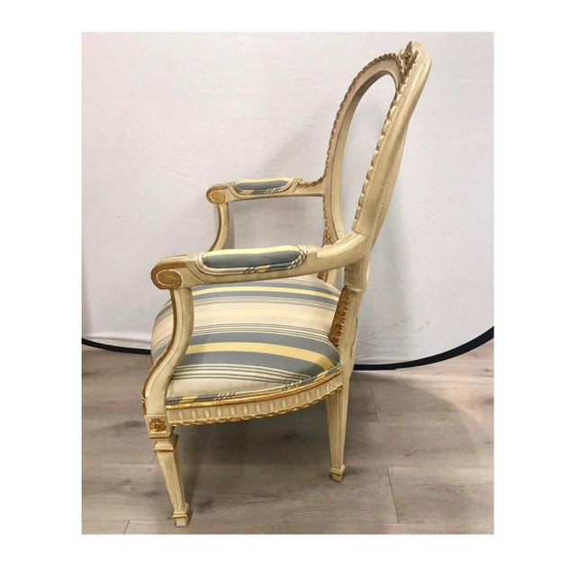 White Pair of Antique French Cream Painted Giltwood Armchairs For Sale - Image 8 of 13