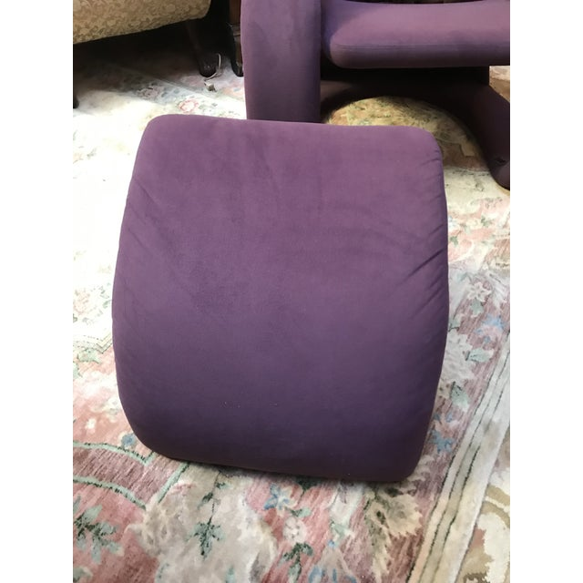 Mid Century Modern Jaymar Memphis Sculptural Cantilever Lounge and Ottoman in Purple Fabric For Sale - Image 9 of 13