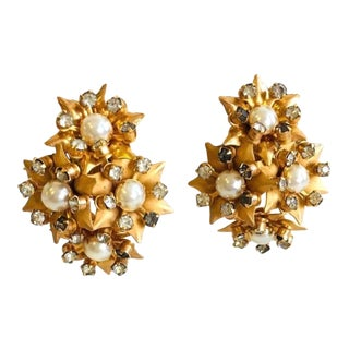 Kramer Gold Flower Pearl and Rhinestone Cluster Clip on Pearl Earrings For Sale