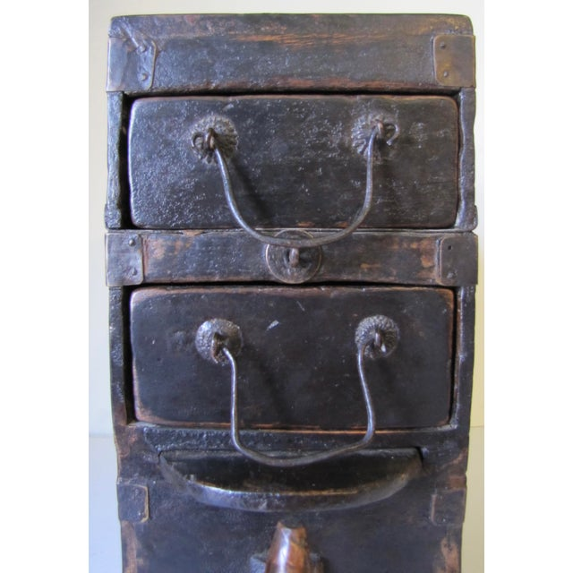 Chinese 1910s Black Wooden Chinese Bellows Box For Sale - Image 3 of 9
