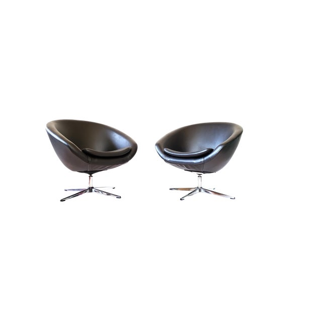 1970s Mid Century Modern Overman Swivel Pod Chairs - a Pair For Sale