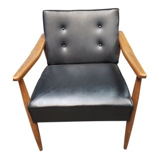 Paoli Mid-Century Modern Tufted Chair For Sale