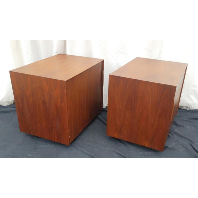 Cubism 1970's Mid-Century Modern John Kapel for Glenn of California Side Tables/Nightstands - a Pair For Sale - Image 3 of 11