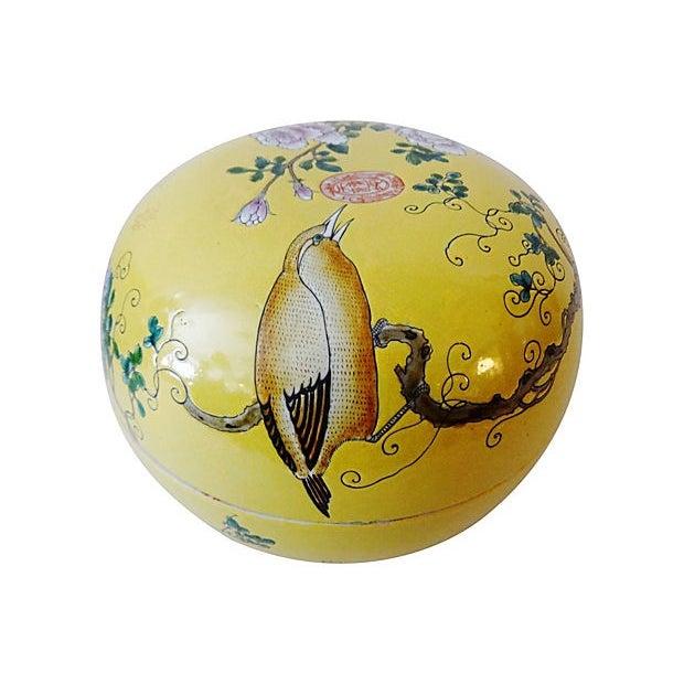 Asian Famille Jaune Large Porcelain Box For Sale - Image 3 of 6