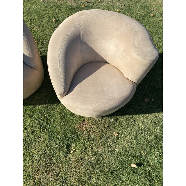 1970s Vladimir Kagan Style Nautilus Swivel Lounge Chairs - a Pair For Sale - Image 5 of 13