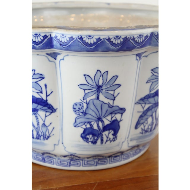 Ceramic Vintage Mid Century Floral Chinese Planter For Sale - Image 7 of 8