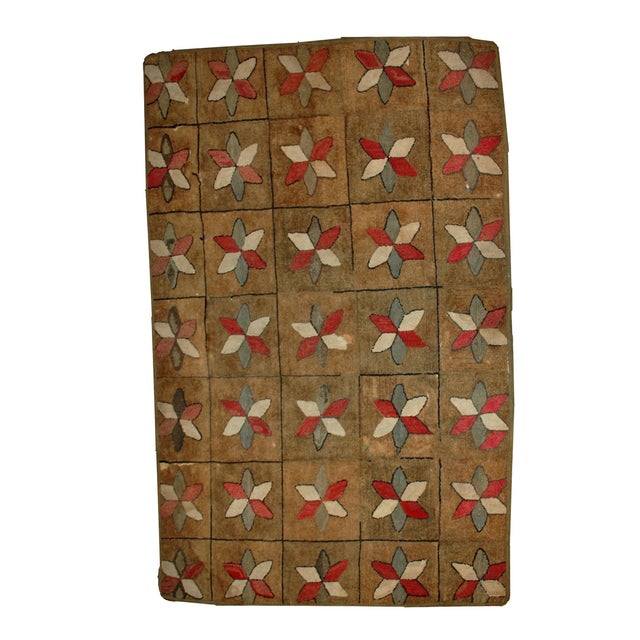 1880s Hand Made Antique American Hooked Rug - 3′1″ × 5′3″ For Sale