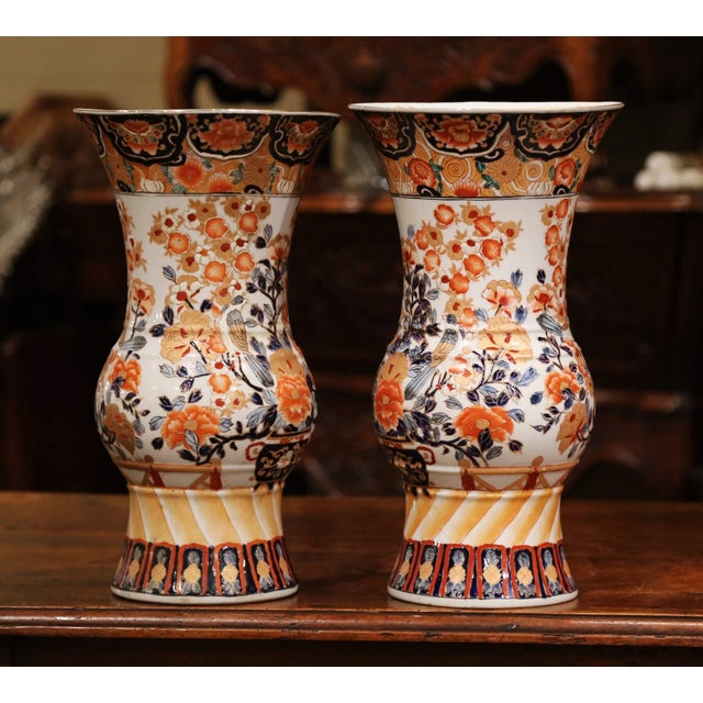 Pair of Early 20th Century Japanese Painted and Gilt Porcelain Imari Vases For Sale In Dallas - Image 6 of 11