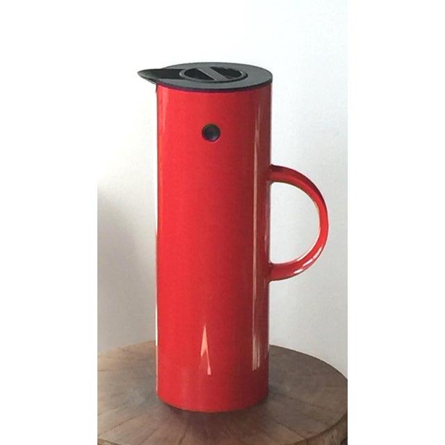 Mid-Century Modern 1970s Erik Magnussen for Stelton Danish Modern Red & Black Insulated Carafe For Sale - Image 3 of 10