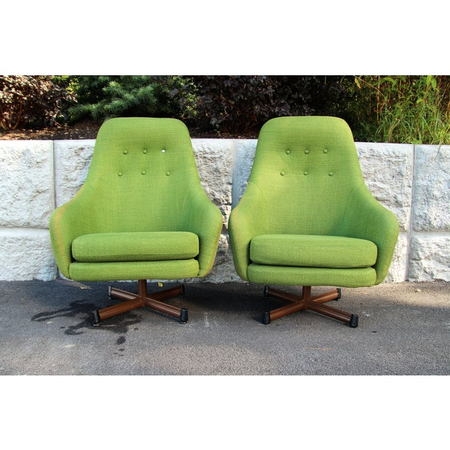 1950s Vintage Mid-Century Modern Viko Baumritter High Back Swivel Chairs S/2 For Sale - Image 11 of 11
