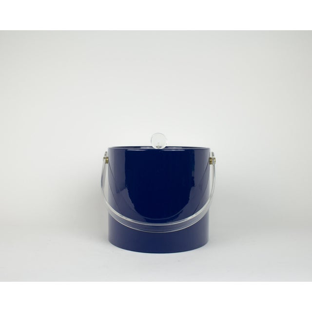 Mid Century Navy Blue and Lucite Ice Bucket - Image 4 of 10
