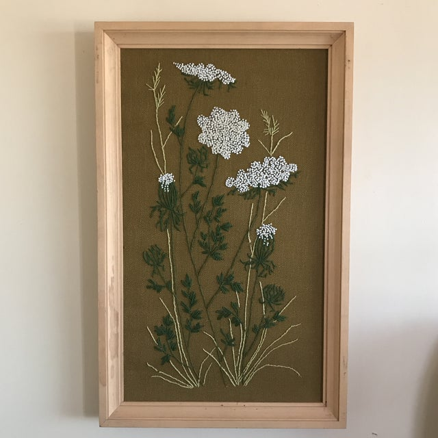 1960s Mid-Century Queen Anne's Lace Framed Crewel Work Textile Art For Sale - Image 5 of 5