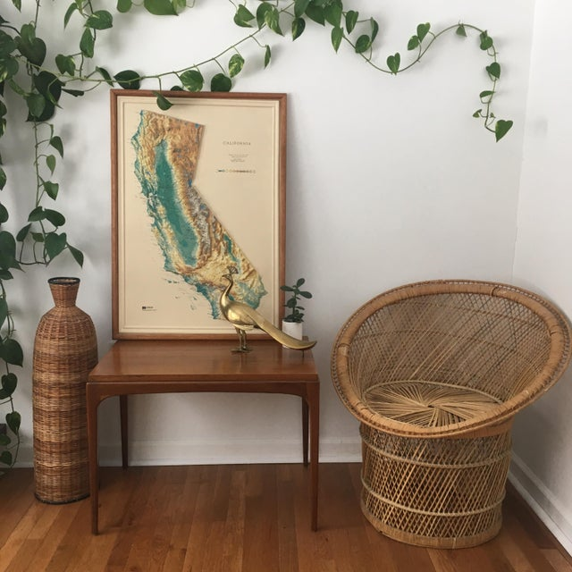 A beautiful refinished end table presumed to be walnut Lane Furniture Co. This Mid-Century Modern end table has a unique...