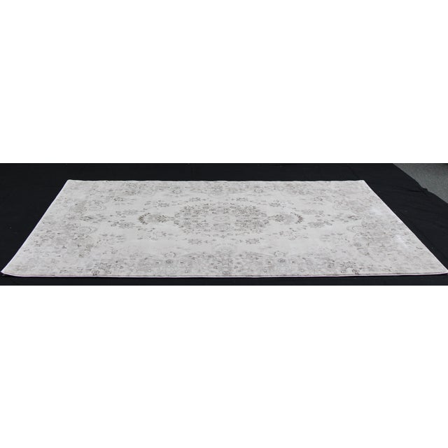 Transitional Distressed Gray Rug - 5'3'' x 7'7'' - Image 2 of 8
