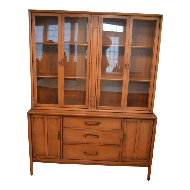 Drexel Heritage Meridian China Cabinet For Sale