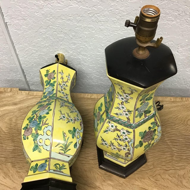 Vintage Pair Chinese Famille Juane Style Lamps For Sale In Tampa - Image 6 of 9